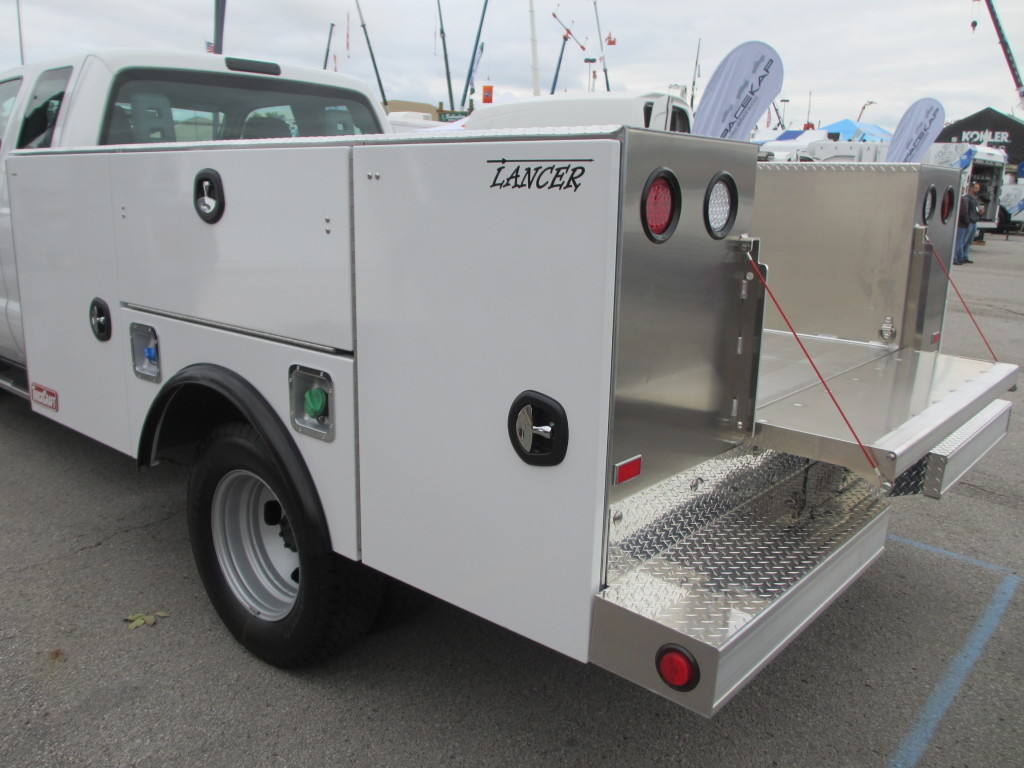 Service Body Tailgate : Aluminum service body products truckcraft corporation